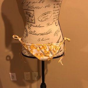 NWOT gold and white bikini bottom